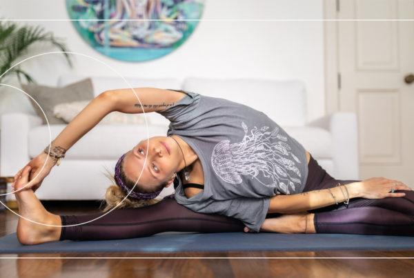 Juliana Spicoluk from Boho Beautiful teaches a free yin yoga class to release tension and body stiffness. A perfect way to unwind & de-stress